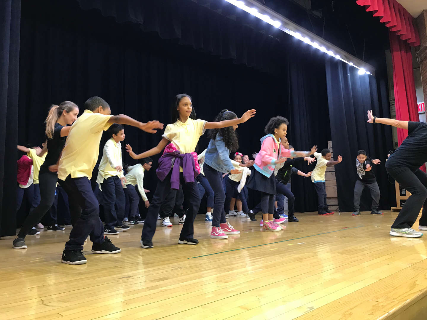 Kids Dancing with the DEA Dance Program