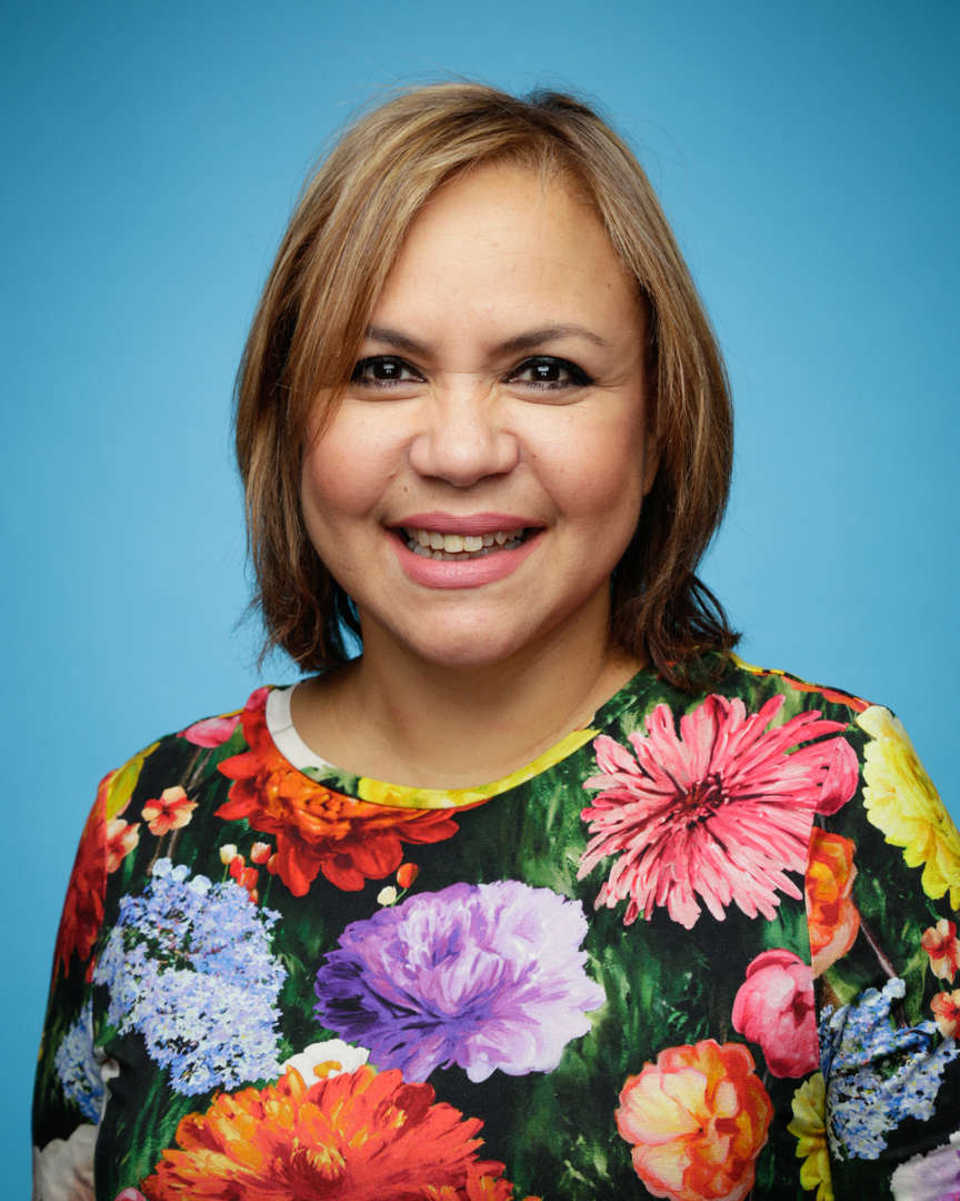 Karen Savinon Headshot