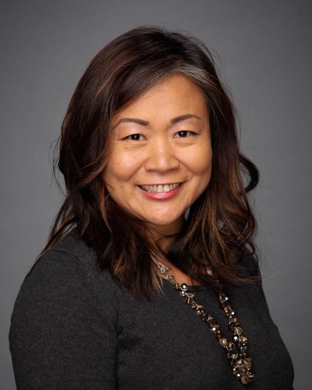 Sue Wang Headshot