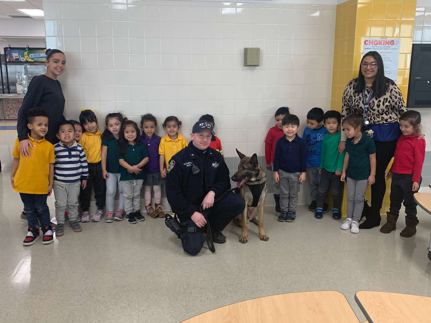 Students and K9 Police Team