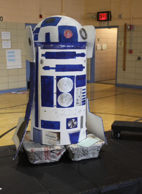 R2D2 made of paper and mixed materials