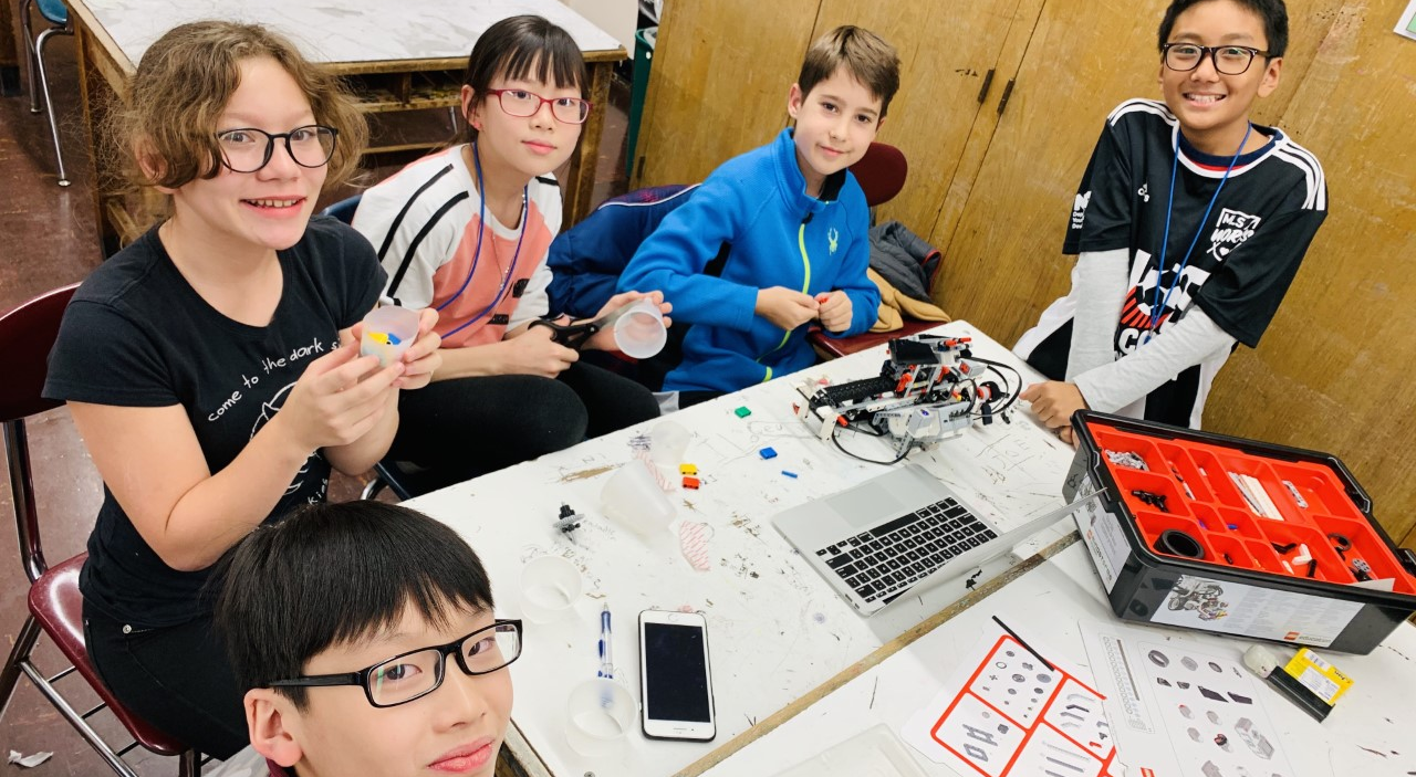 Students build with lego robotics
