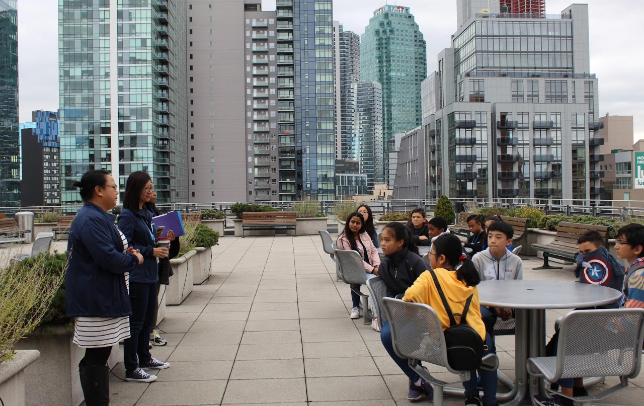 Student Field Trip to a city roof park