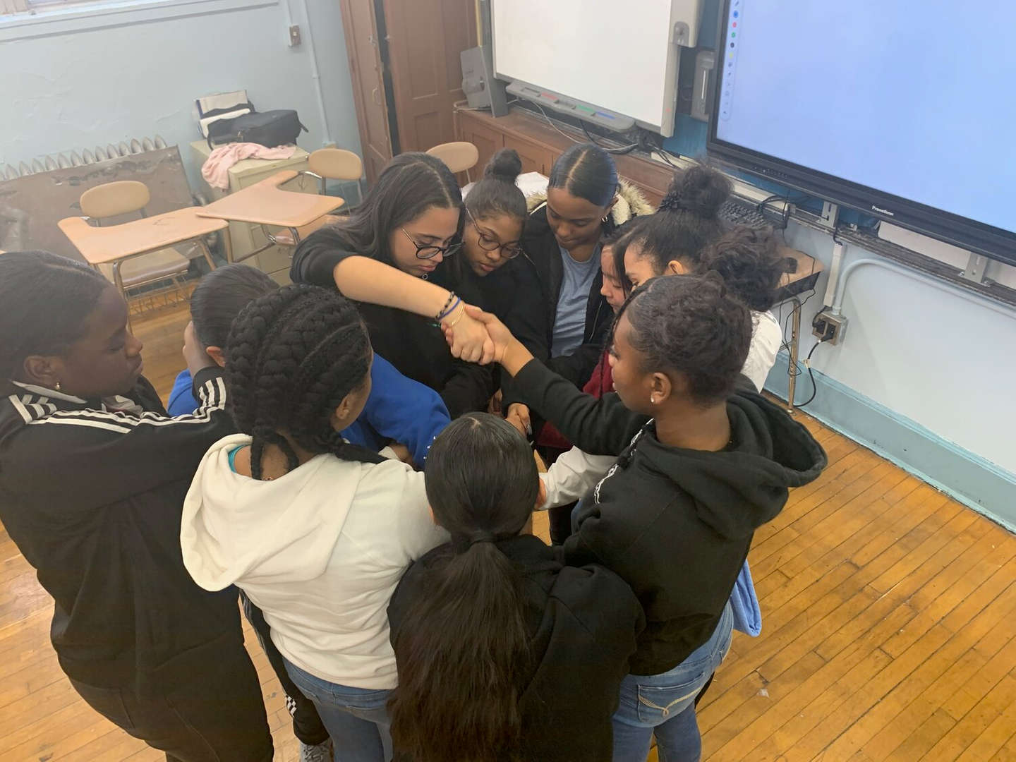 Peer Group Connection Leadership Class Human Knot Activity