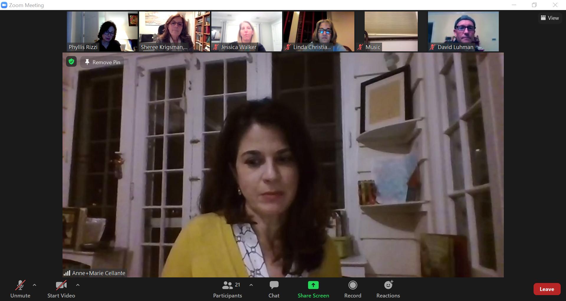 SEPTA executive board member Anne Marie Cellante addresses participants during the workshop.