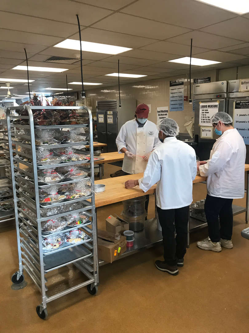 Culinary students wrap up cookies