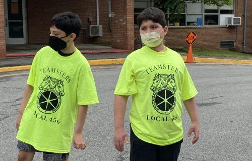 Kids getting ready to run.