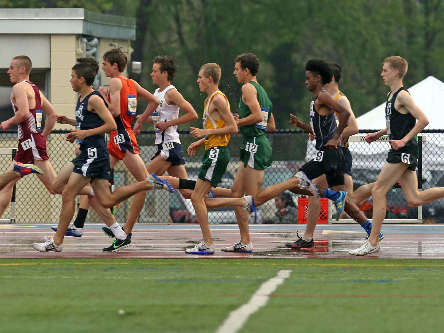 high school track athletes competing