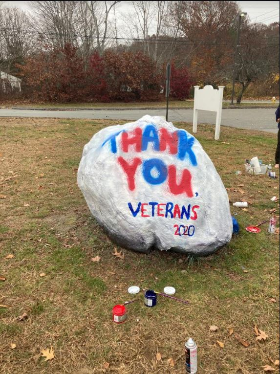 Rock with thank you message to veterans