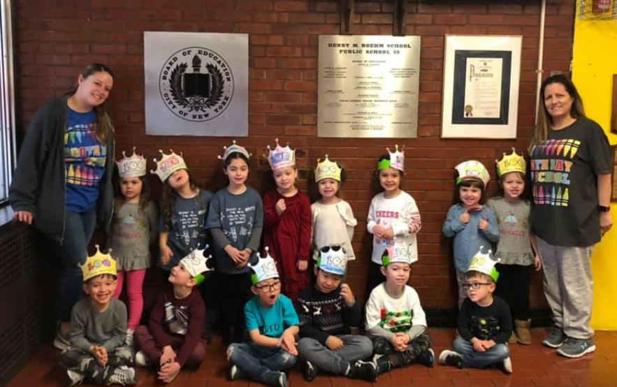 a class wearing 100th day crowns