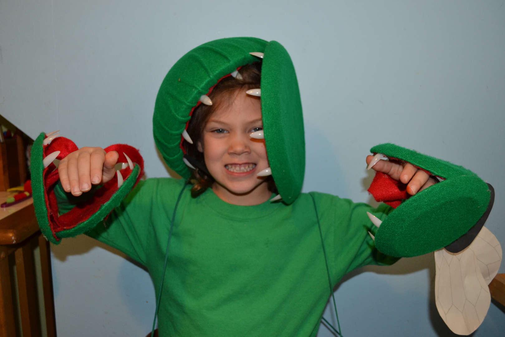 this girl looks like a venus flytrap plant