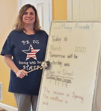 Here's a teacher teaching her class online